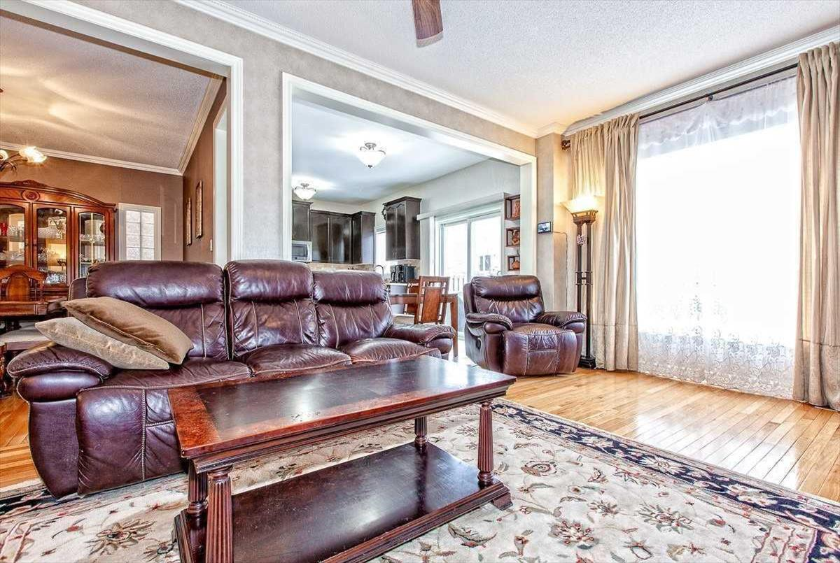 82 Barnwood Dr Richmond Hill Ryan Ahadian