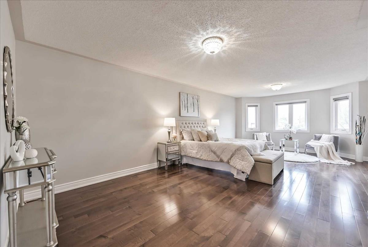 25 Eastdale Cres Richmond Hill Ryan Ahadian